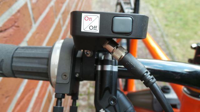 Dieser Stecker hat laut Mennig den Motorausfall verursacht © Reidl