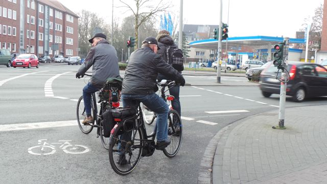 Aufstellflächen für Radfahrer findet man in Münster häufig an Kreuzungen © Reidl