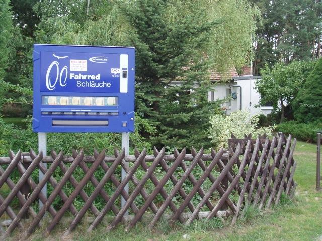 Schlauchautomat am Oder - Neiße - Radweg © Reidl