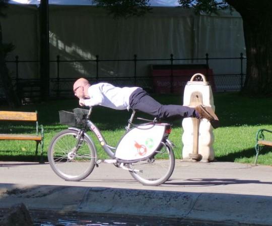 Bike Yoga während der Velo-City in Wien © Reidl