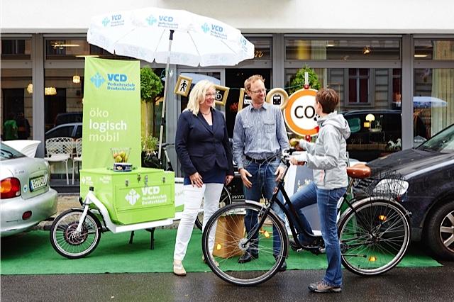 Der ökologische Verkehrsclub beim Park(ing)Day 2014 in Berlin© Markus Bachmann