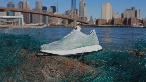 Prototyp-Schuh aus Meeresmüll © Adidas