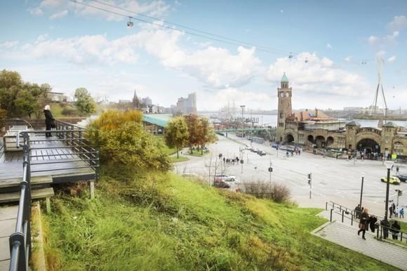 St. Pauli, Landungsbrücken mit Seilbahn. Foto: dpa, Stage Entertainment GmbH