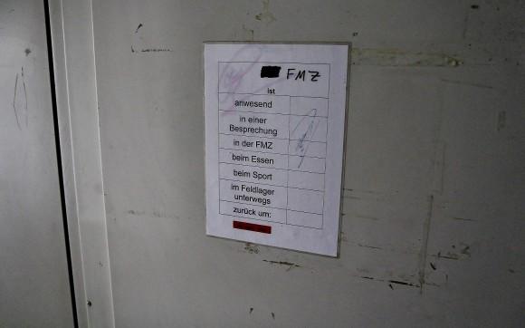 Viermal geklopft und trotzdem macht niemand die Tür aus? Dieser übersichtliche Zettel erklärt, warum.