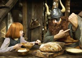 Filmheld Wickie mit Vater Halvar/ © Constantin Film