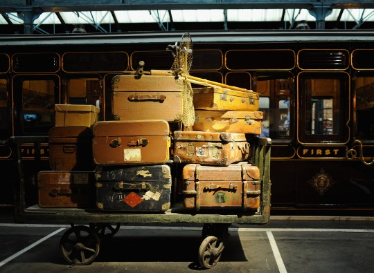 Verreist wurde schon vor 100 Jahren. Dieser Kofferberg steht in einem Eisenbahnmuseum/ © Getty Images