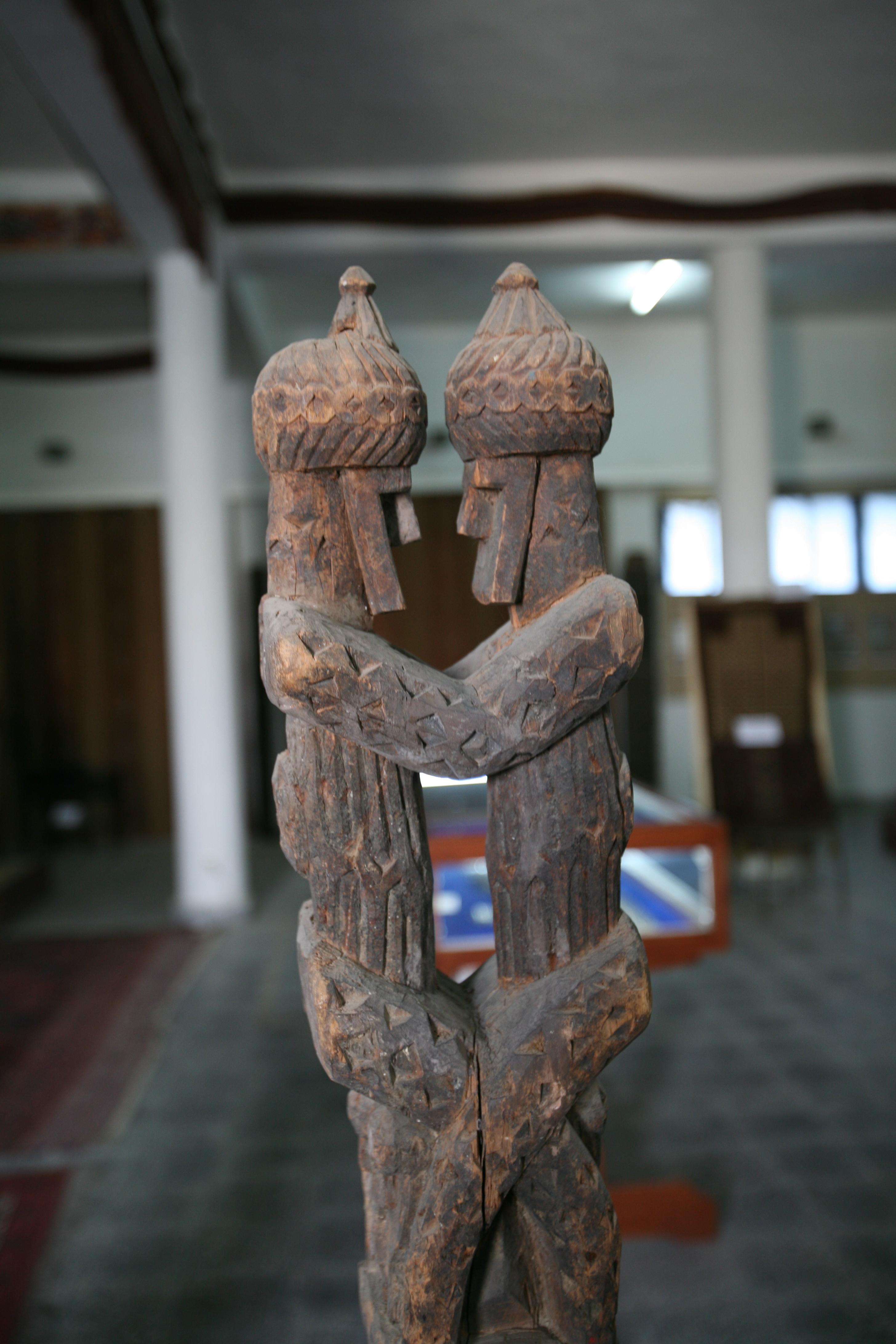Holzfiguren, kabul