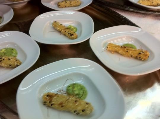 Sesam Backspargel mit körnigem Korianderfrischkäse