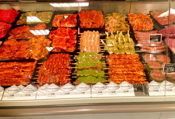 Fleisch in Marinade und Zubereitungen (1 von 1)