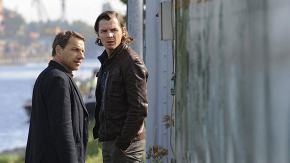 """Die """"Tatort""""-Kommissare Thorsten Lannert (Richy Müller, r) und Sebastian Bootz (Felix Klare) (© ARD/SWR"""