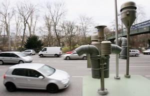 Berlin will Umwelt- und Verkehrsdaten, wie sie solche Mess-Stationen sammeln, öffnen. Bernd Weißbrod/dpa