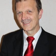 Herbert Bastian, seit 2011 Präsident des Deutschen Schachbundes wurde im August zum Vizepräsidenten des Weltschachbundes gewählt. Hauptberuflich ist er Lehrer für Physik und Mathematik. Seine aktuelle ELO-Zahl: 2315
