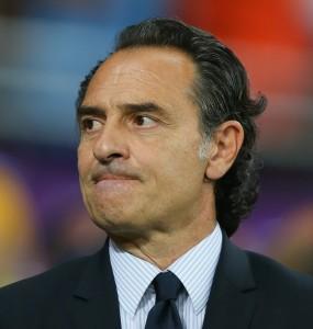 Überlegt sich schonmal die Worte, mit denen er den Spaniern gratulieren wird: Cesare Prandelli. Foto: Alex Livesey/ Getty Images