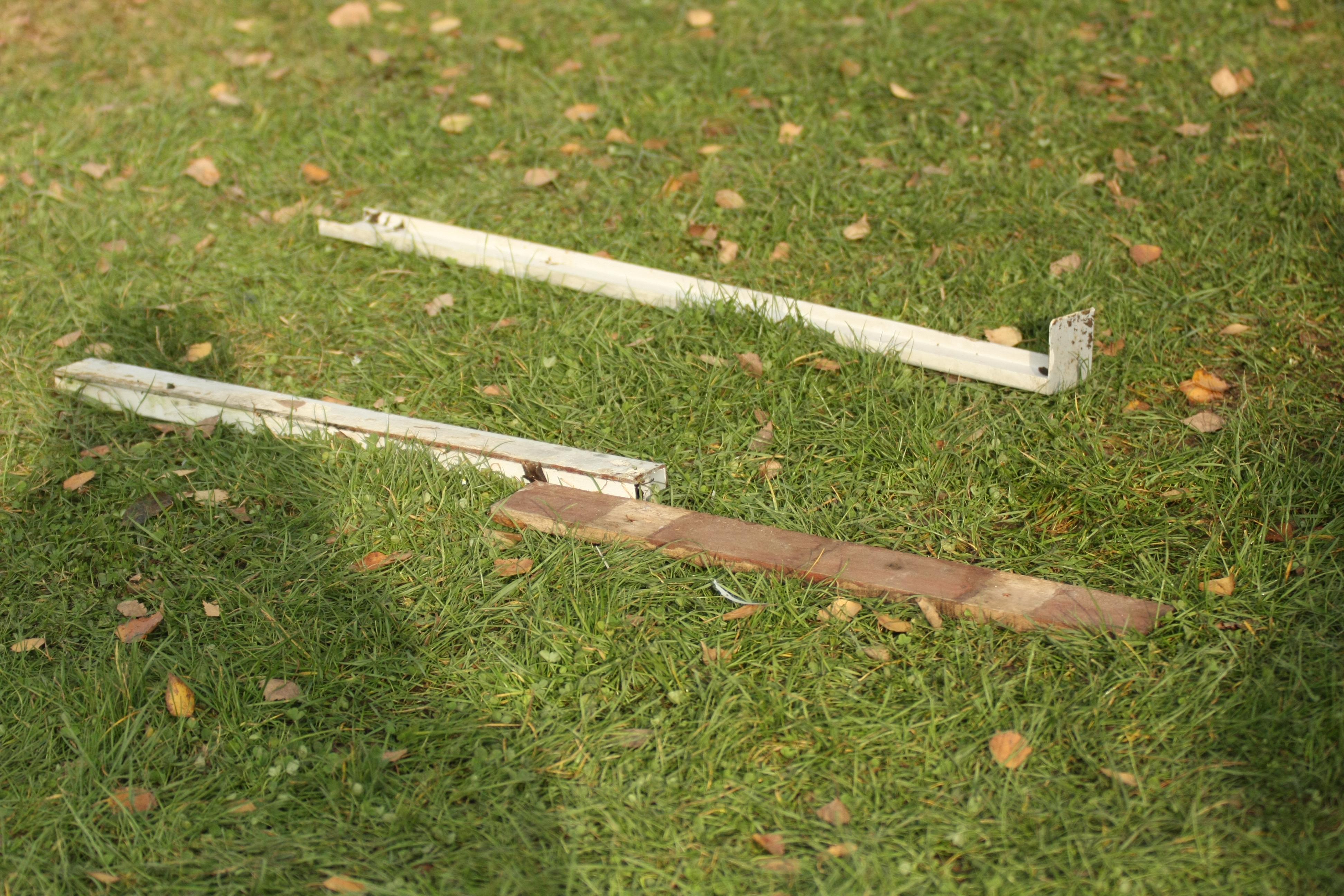 Eisenstangen und Holzlatten als Tatwaffen