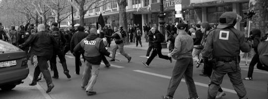 Angriffe auf Passanten und Polizisten am 1.Mai 2010 auf dem Berliner Ku'damm