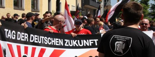 Rechtsextreme Zukunftssorgen: Neonazis in Hildesheim 2010 (Foto: Kai Budler)