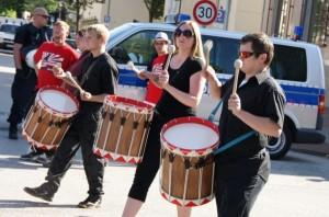 """Trommeln für die """"deutsche Zukunft"""", Foto: Kai Budler"""