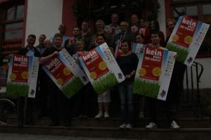 "Bündnis zeigt Nazis die ""rote Karte"", Foto: Kai Budler"