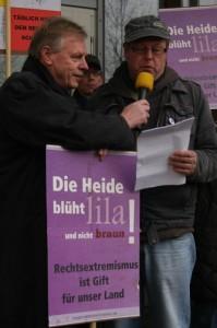 Wilfried Manneke und Klaus Jordan auf der Kundgebung in Eschede, Foto: Kai Budler