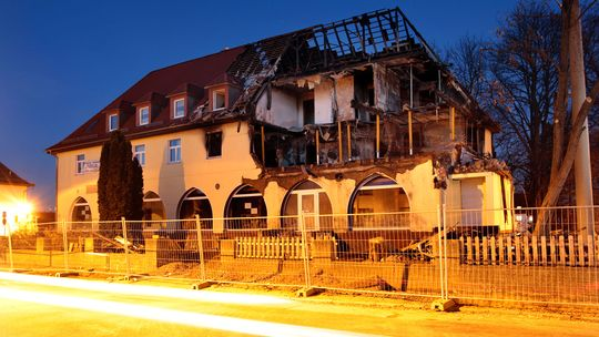 Die ausgebrannte Wohnung der NSU-Terroristen in Zwickau © Jan Woitas/dpa