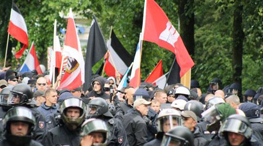 """Die Polizei in Sachsen geht derzeit gegen die """"Nationalen Sozialisten Döbeln"""" vor (Symbolfoto)"""