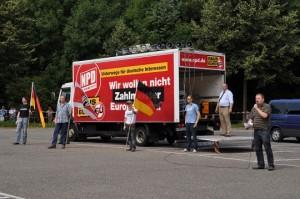 Keine Öffentlichkeitswirkung, massive Gegenproteste: Die Deutschlandtour der NPD durch Bayern, hier in Bayreuth © Johannes Hartl