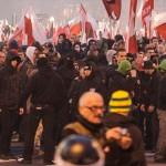 Vermummte Neonazis und Hooligans prägten den nationalistischen Marsch durch Warschau