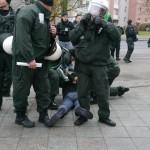 Die Polizei ging zum teil sehr brutal gegen Sitzblockierer vor © Jesko Wrede