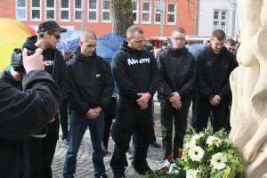 """Neonazis sind in Nordhausen –hier beim """"Bombengedenken 2012 –ein großes Problem."""