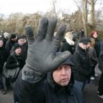 Immer wieder wurden Journalisten unter den Augen der Polizei bedroht und beschimpft © Jesko Wrede