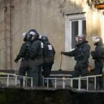 Die Polizei drohte den Bewohnern die Türen einzuschlagen © Jesko Wrede