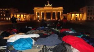 Aus Solidarität wachte, protestierte und hungerte Mareike gemeinsam mit den Flüchtlingen auf dem Pariser Platz