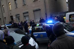 Ein völlig überzogener Polizeieinsatz - ohne den Versuch eines Gesprächs mit den Beschuldigten © Marco Pietta