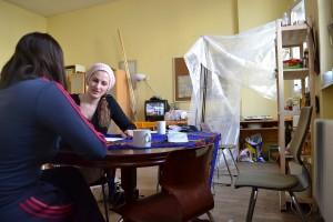 Im Iran hat die 22-jährige Mina Architektur studiert - hier in Deutschland sitzt sie nur rum und hofft auf Asyl © Navid A. Bookani