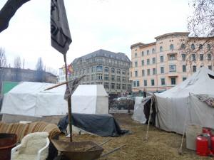 Der Oranienplatz in Berlin ist sein zu Hause geworden © Caro Lobig