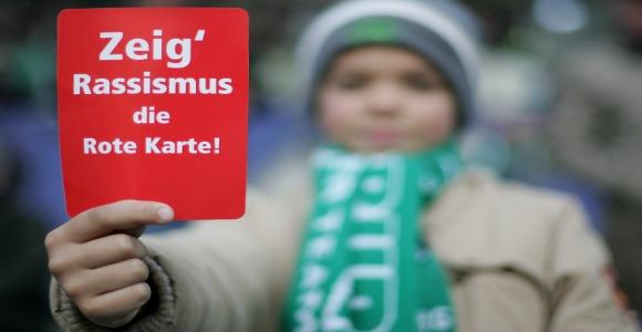Rote Karte für Rassismus! © Getty Images