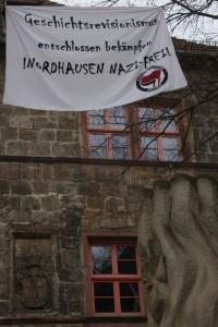 Banner gegen Geschichtsrevisionismus © Kai Budler