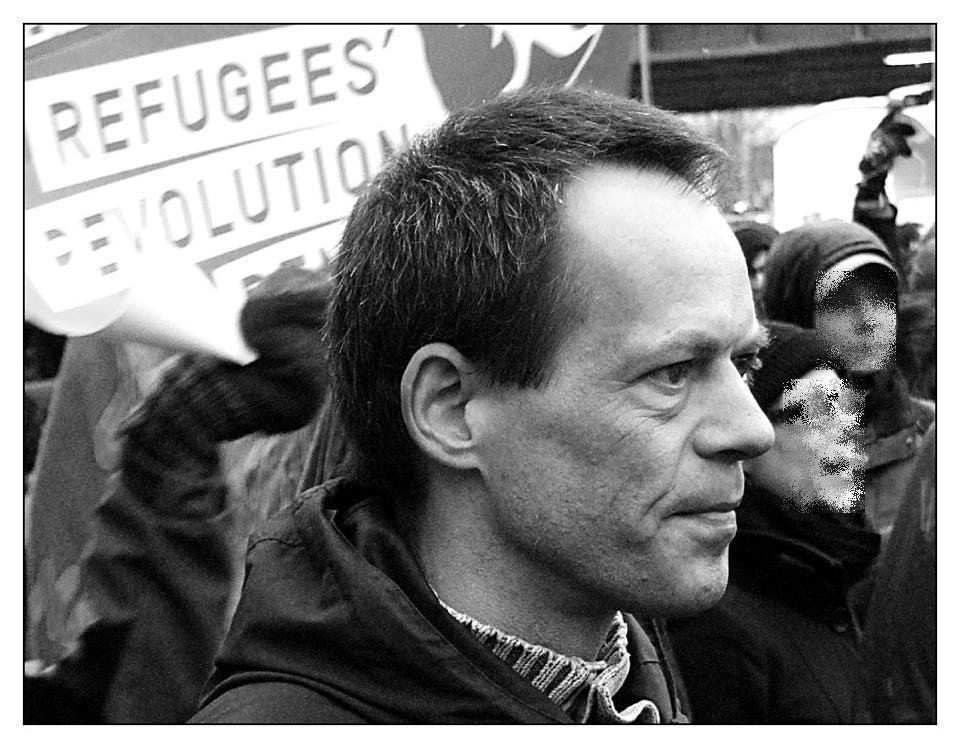 Der Berliner setzt sich bei jeder Aktion der Flüchtlinge für ihre Forderungen ein © Frank Kopperschläger