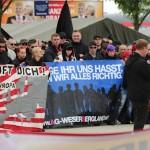 """Dieter Riefling verkündet die Auflagen. Das Rufen von """"Wie geil"""" war aufgrund der Verwechslungsgefahr mit """"Sieg Heil"""" untersagt. © ARUG"""