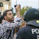 Aufgebrachte Anwohner und linke Aktivisten, protestierten gegen die NPD-Kundgebung © Jesko Wrede