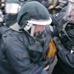 Die Polizei nahm einige Nazi-Gegner, aber auch NPD-Mitglieder vorläufig fest © Jesko Wrede