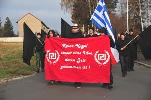 Neonazis zeigen Solidarität mit der griechischen NS- Partei Goldene Morgenröte ©TM