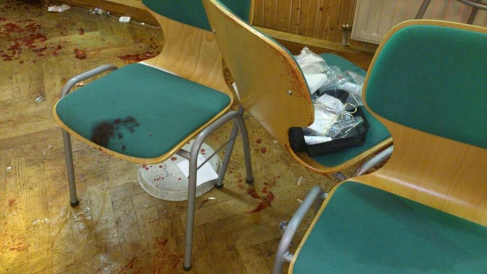 Blutige Spuren des brutalen Nazi-Angriffs