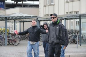 NPD-Landtagskandidat Enrico Biczysko (links) am 8. Februar bei einer Neonazi-demo in Weimar