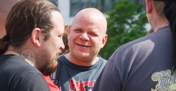 Patrick Killat bei einem blockierten NPD-Aufmarsch in Berlin im April 2014 © Theo Schneider