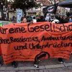 Antifa-Aktivsten am Rande der Nazidemo