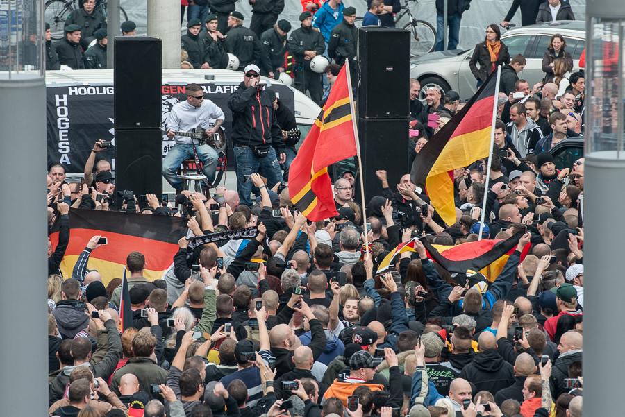 """Die rechtsradikale Hooligan-Band """"Kategorie C"""""""