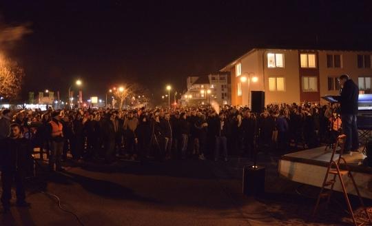 Am 29.11.2014 zogen ca. 750 Personen durch Schneeberg, um gegen Asylsuchendenheime in ihrer Stadt zu demonstrieren.