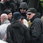 "Der Sänger der rechtsradikalen Hooligan-Band ""Kategorie C"" Hannes Ostendorf (rechts im Bild) | © Christian Martischius"