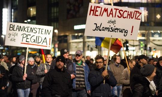 """5.500 nahmen an einem Marsch gegen die """"Islamisierung des Abendlandes"""" teil."""